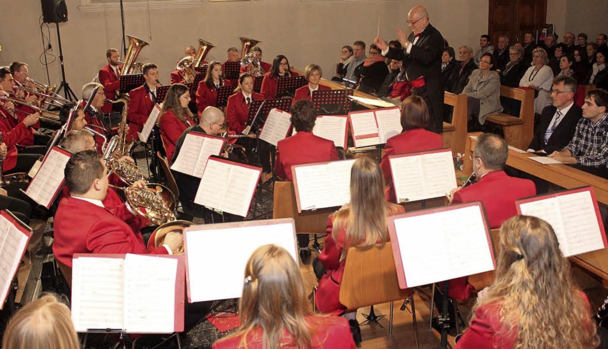 Die St. Michaelskirche in Istein bot d...hmen für das Konzert des Musikvereins.  | Foto: Cremer