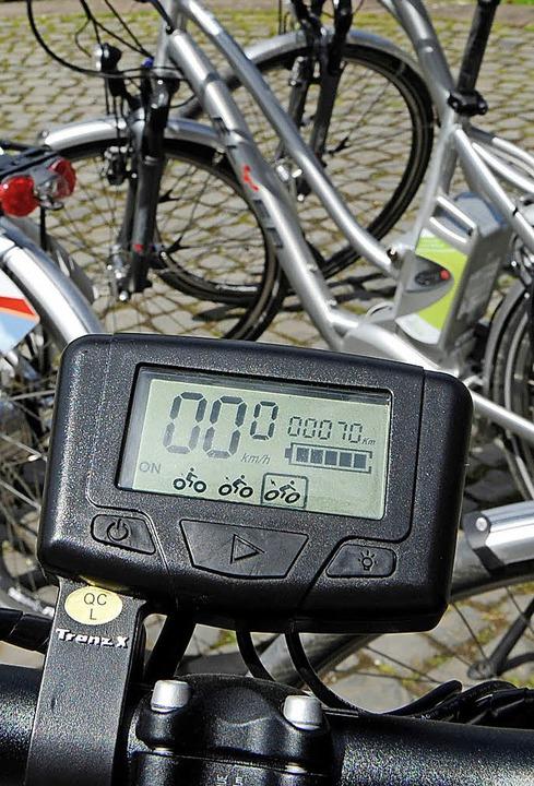 Die Zahl der E-Bikes wächst. Und damit der Bedarf an passenden Abstellplätzen.  | Foto: Symbolfoto: Dpa