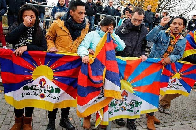Tibet-Aktivisten erzürnen chinesische Kicker