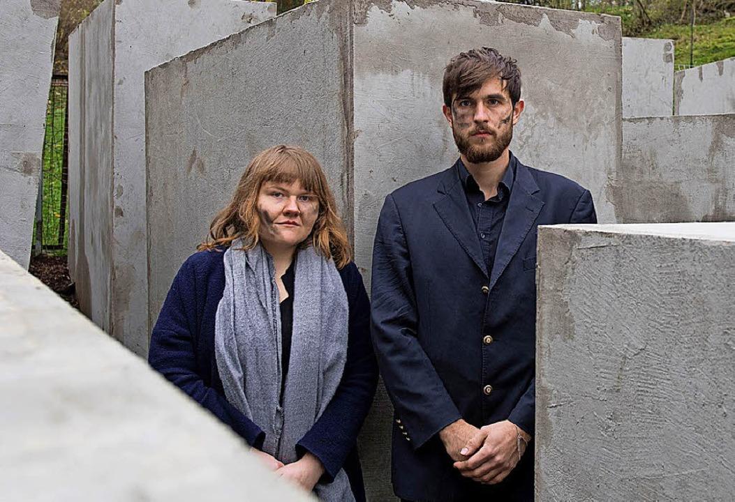 Zwei der Aktivisten in Bornhagen  | Foto: DPA