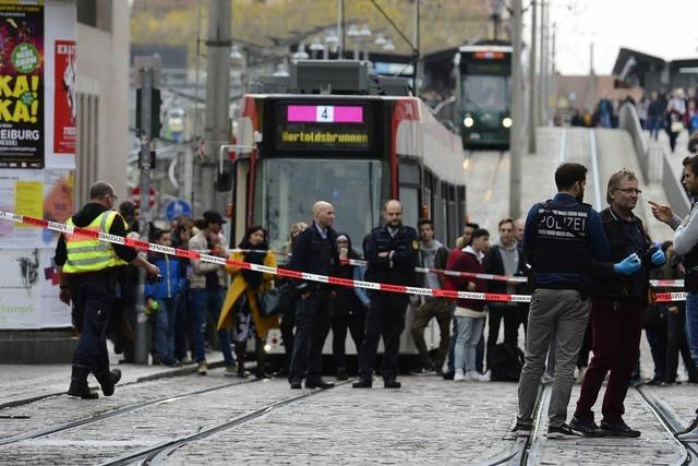 Polizei nimmt Mann mit Messer in der Freiburger Innenstadt fest