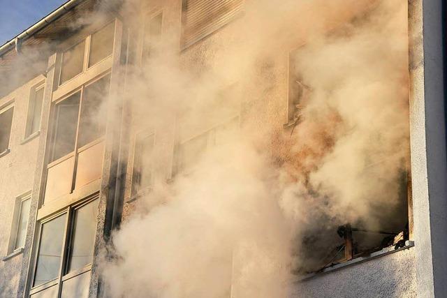 Feuer in Lörracher Wohnblock war wohl Brandstiftung