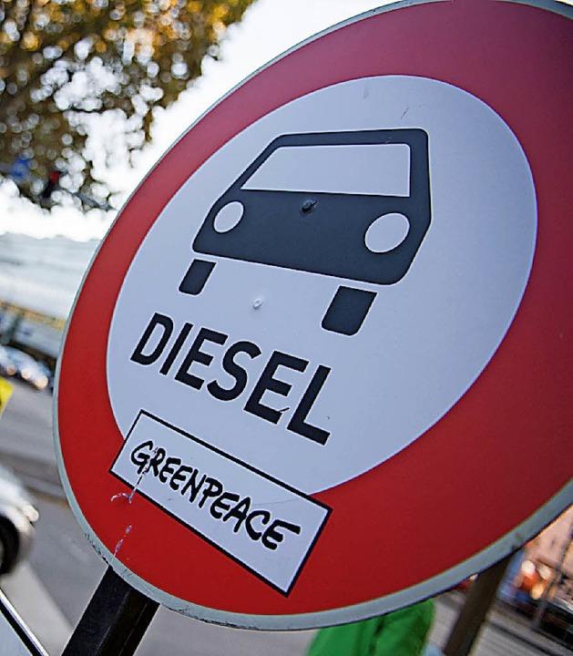 Der Mobilitätsfonds soll auch helfen, Diesel-Fahrverbote zu vermeiden.  | Foto: DPA