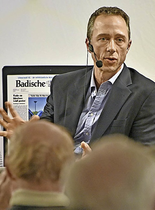 Dominik Mutter  spricht vor BZ-Lesern   | Foto: Michael bamberger
