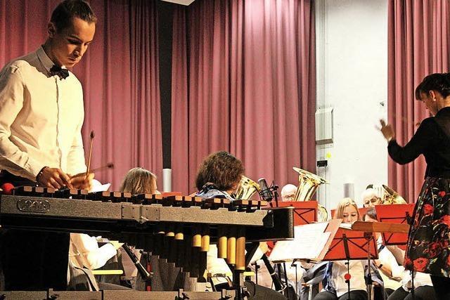 Streifzug durch internationale Zirkusstücke beim Jahreskonzert des Musikvereins Kirchzarten