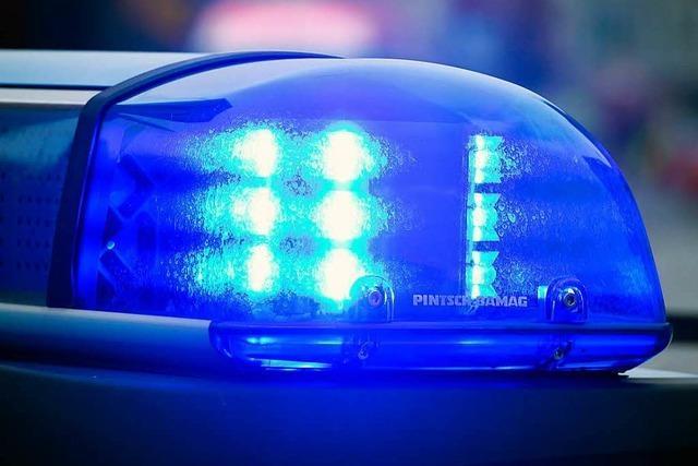 Zwei Verletzte und 75 000 Euro Sachschaden bei Unfall