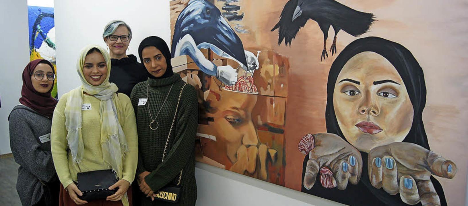 Die Teilnehmerinnen mit der längsten A...swerk von Anna Higgs und Fatma Khalid   | Foto: Carola Bruhier