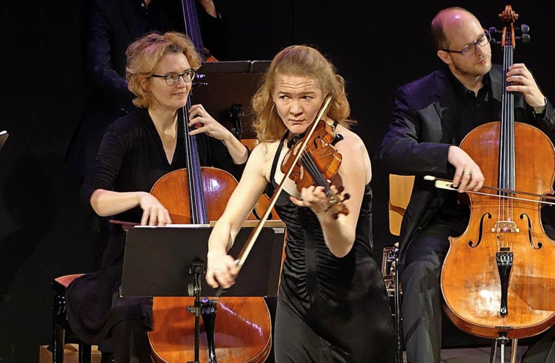 Das Kammerorchester mit  Solistin Susanne von Gutzeit     Foto: Frey