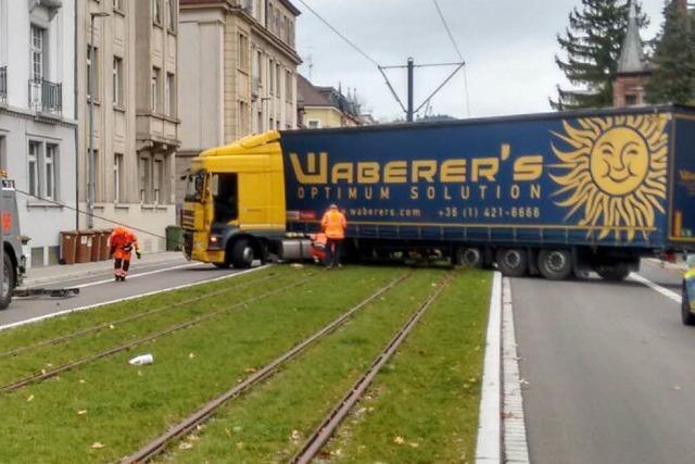 Nach Lkw-Panne ist die Kronenstraße wieder befahrbar