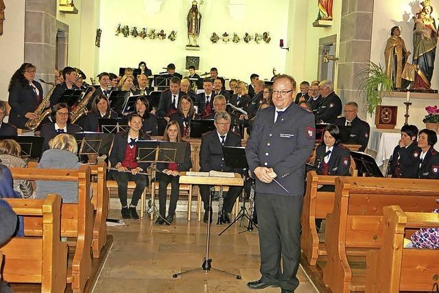 Feuerwehrkapelle bietet feinfühliges Konzert