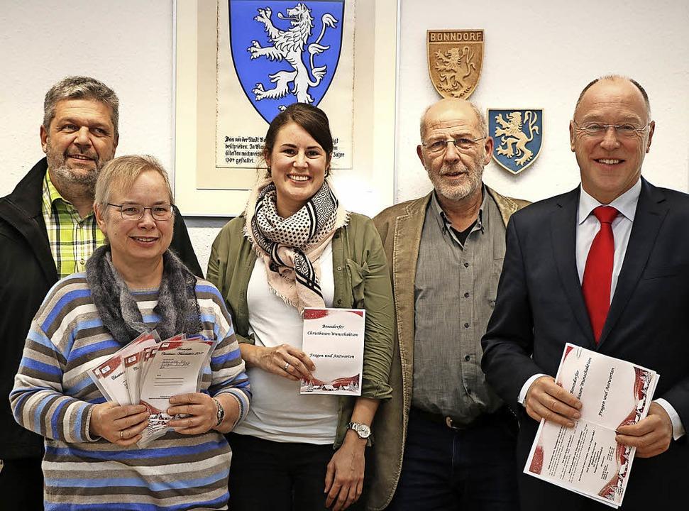 Sie alle hoffen, das die erste Bonndor...kassenchef Theo Binninger (von links).    Foto: Martha Weishaar