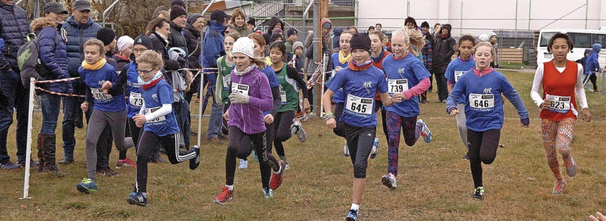 Auch die Jugend zeigte beim Crosslauf ...stag in Wyhl ihr läuferisches Können.   | Foto: Jürgen Schweizer
