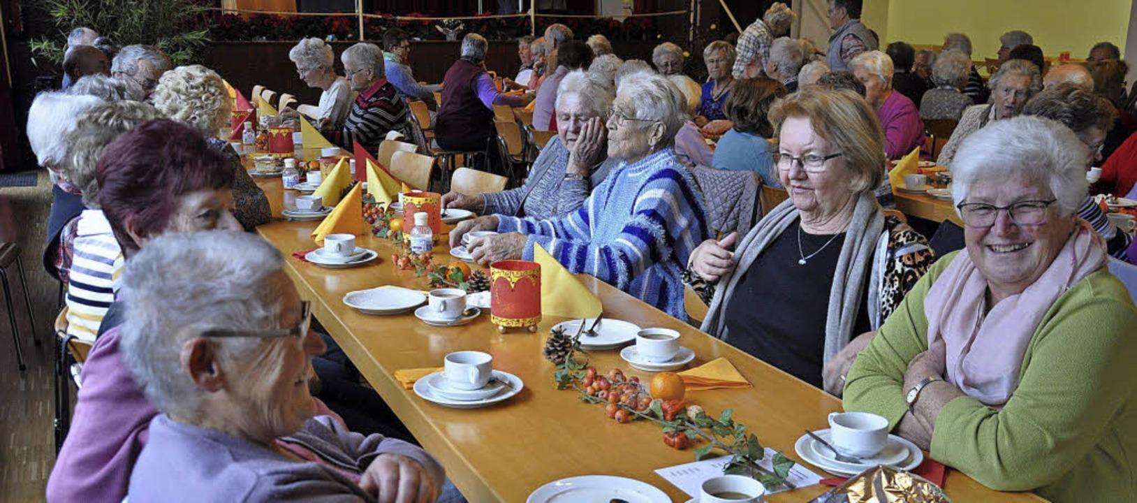 Aus der ganzen Gemeinde waren ältere B...ennachmittag nach Blansingen gekommen.    Foto: Jutta Schütz