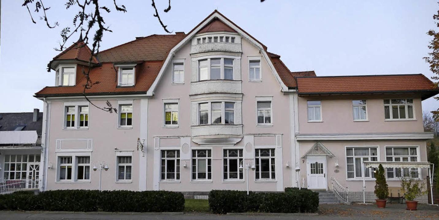 Einst ein renommiertes Hotel, dann ein...das Gebäude 2018 wieder genutzt wird.     Foto: Ralf Morys