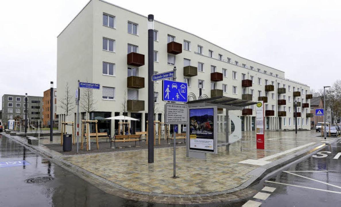Die Gestaltung des Robert-Grumbach-Pla...estern wurde er offiziell eingeweiht.   | Foto: Ingo Schneider