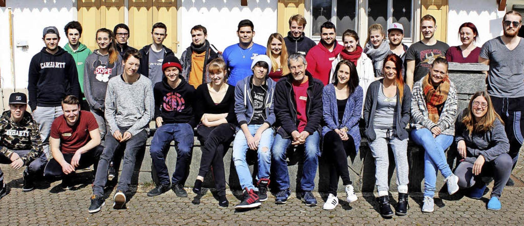 Auf seine Jugendlichen – hier be...endpfleger Helmut Kolibaba verlassen.   | Foto: Heiner Fabry