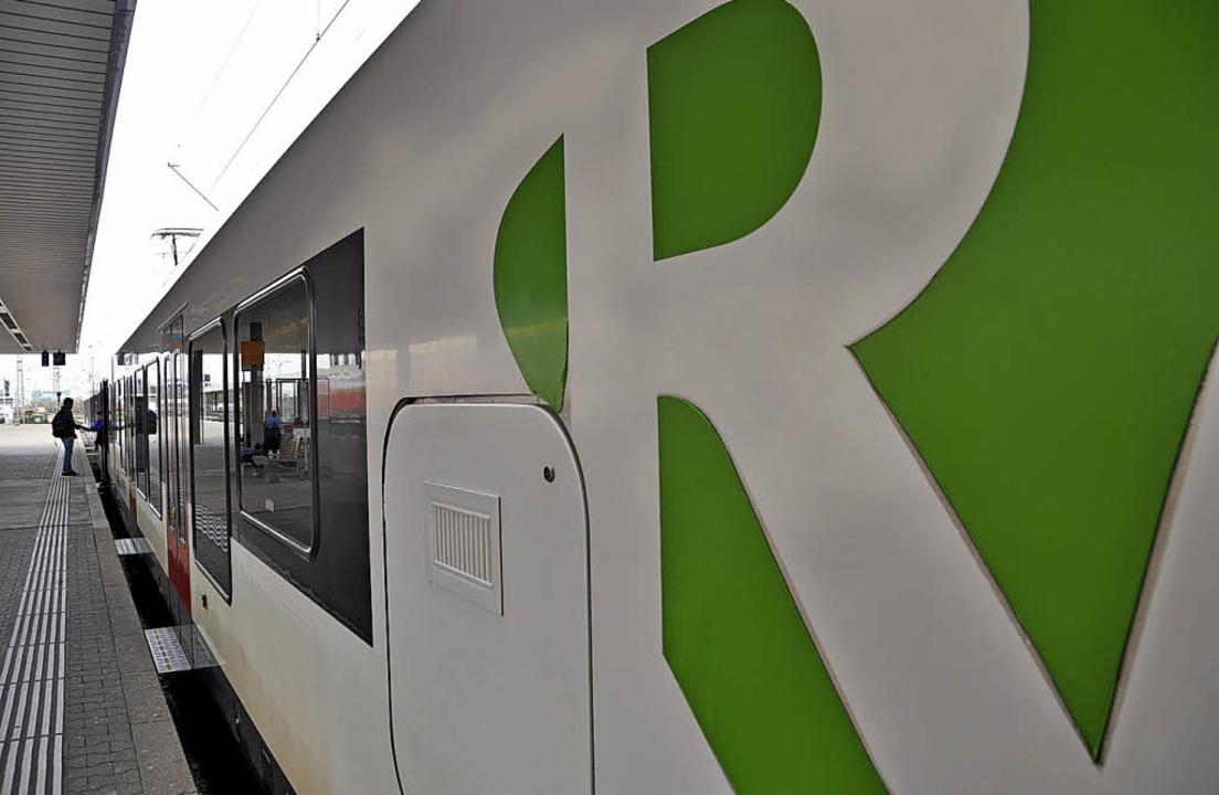 Der Regio-S-Bahn im Landkreis Lörrach soll weiter ausgebaut werden.   | Foto: Daniel Gramespacher