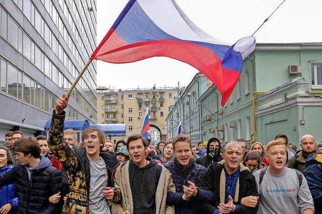Russischer Oppositionspolitiker kämpft gegen Putin und Faschismus