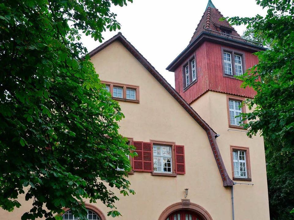 das Jugendhaus und...    Foto: Gerhard Walser