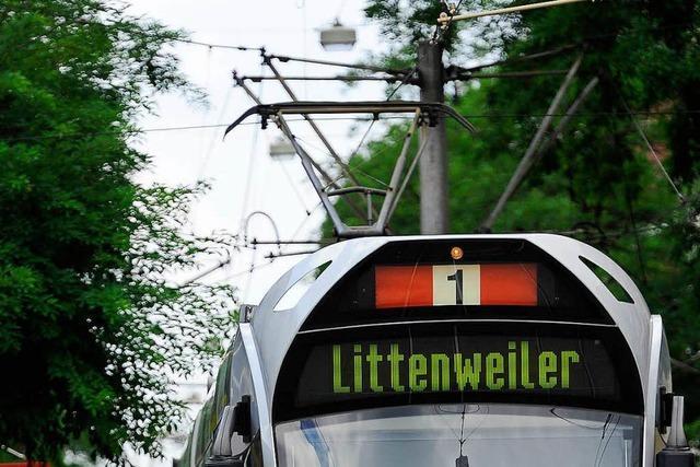 Freiburgs Straßenbahnlinie 1 nach Unfall unterbrochen