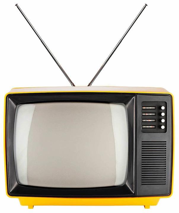 Fraglich, ob diese Kiste noch läuft. E...llung auf digitales Antennenfernsehen.  | Foto: Marius Graf