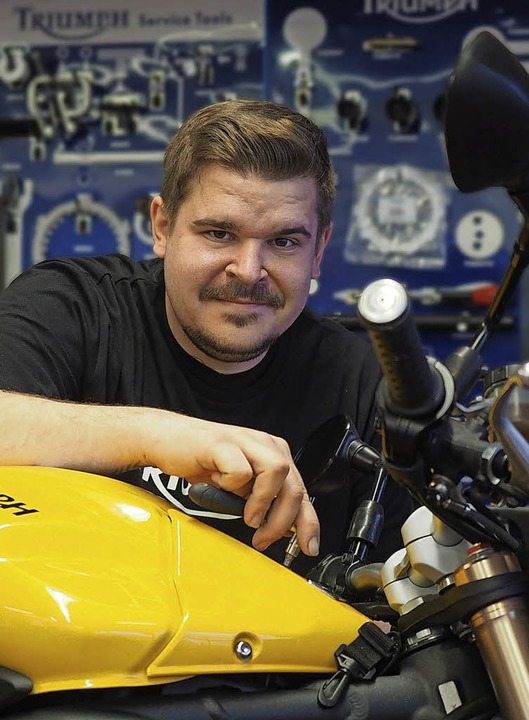 Christian Beil ist erfolgreicher Motorradmechaniker.   | Foto: Herwig Kuehn