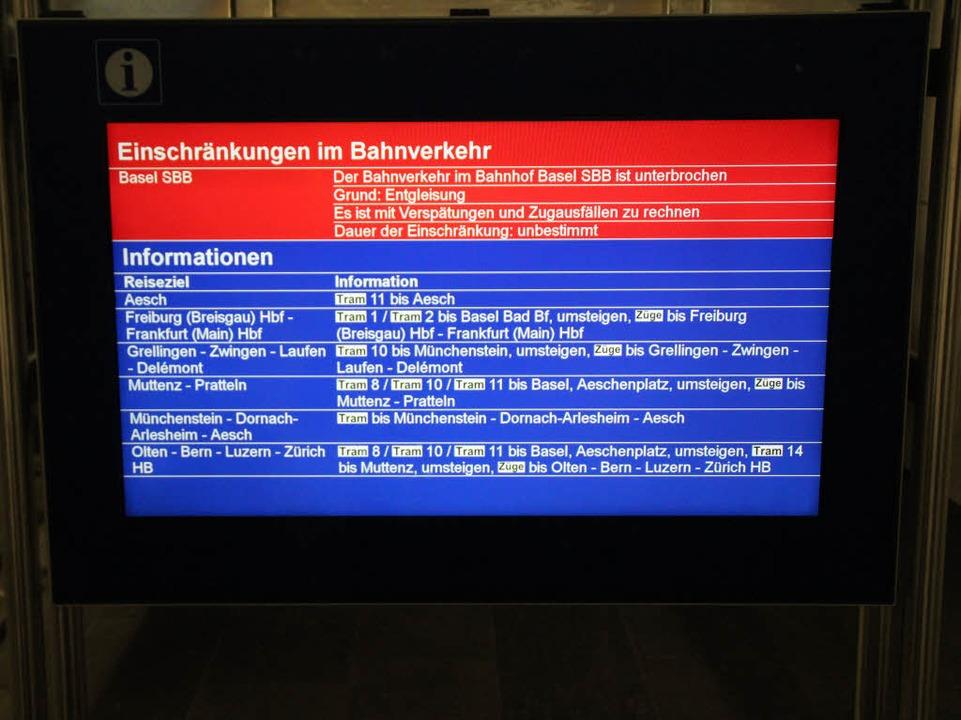 Auf Bildschirmen wurden Fernreisenden ..., von dort verkehrten die Züge weiter.  | Foto: Rolf Reißmann