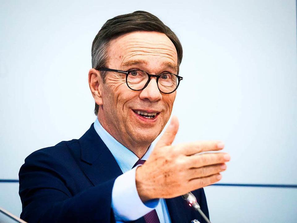 Seine Amtszeit endet im April oder Mai: Matthias Wissmann   | Foto: dpa