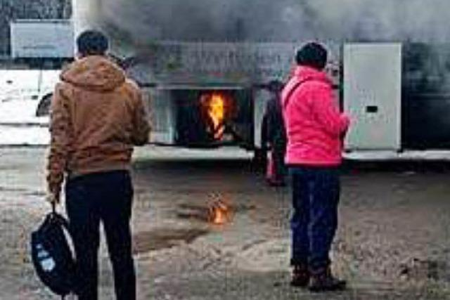 Shuttlebus zum Ravenna-Weihnachtsmarkt fängt Feuer – keine Verletzten