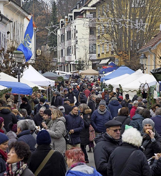 Druggete Am Lindle und engelhafte Illu...chtsmärkte zogen viele in ihren Bann.   | Foto: Volker Münch