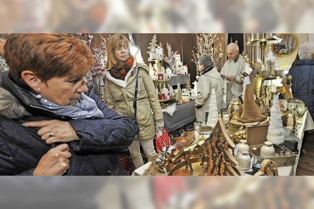 Drangvolle Enge im weihnachtlichen Stall