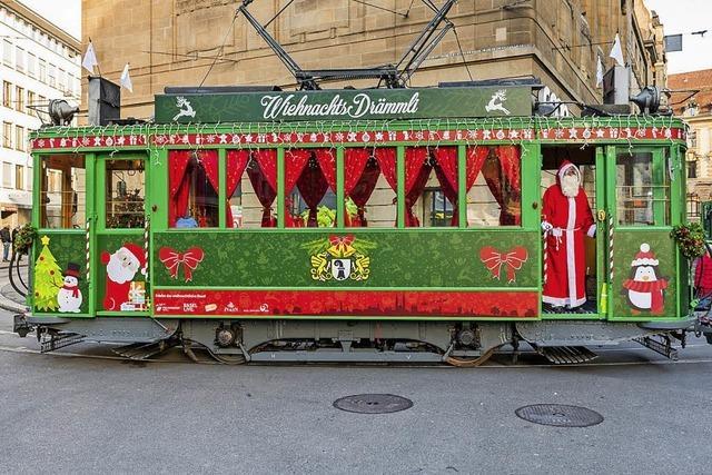 In Basel fährt im Advent das Wiehnachts-Drämmli