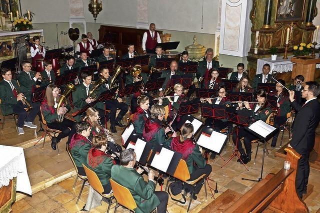 Premiere für den neuen Dirigenten