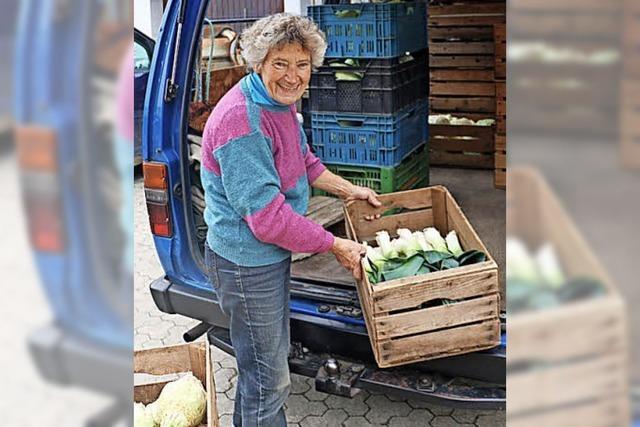 Mit ihrem Toyota steht Anni Scherzer jeden Samstag auf dem Münstermarkt