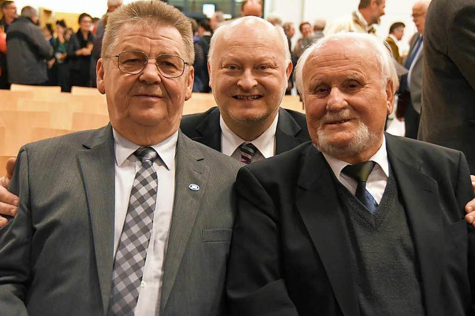 Viele Gäste feierten im Gallushaus mit den zwei neuen Ehrenbürgern. (Foto: Nikola Vogt)