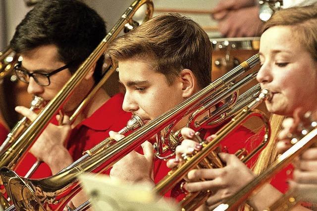 Stadtmusik und Bläserjugend in Lenzkirch