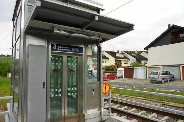 Fahrstuhl am Bahnhof in Efringen-Kirchen außer Betrieb – nach Befreiungsaktion