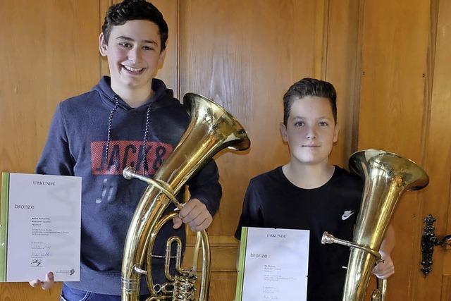 Junge Musiker zeigen Leistung