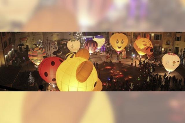 Ballonglühen auf der Piazza des Colosseo