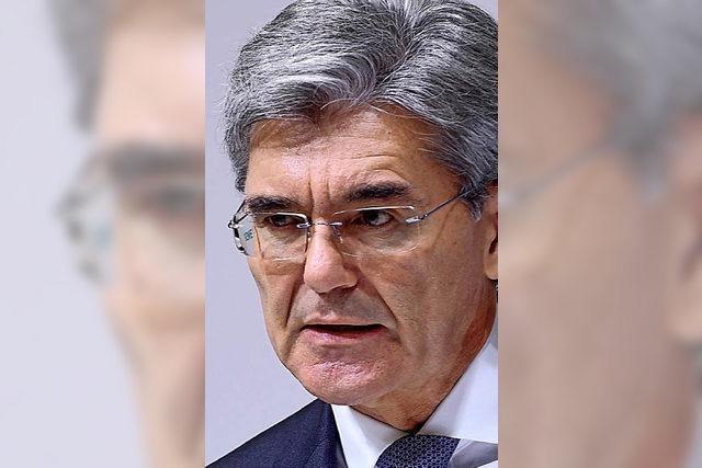 HINTERGRUND: Siemens unter Druck