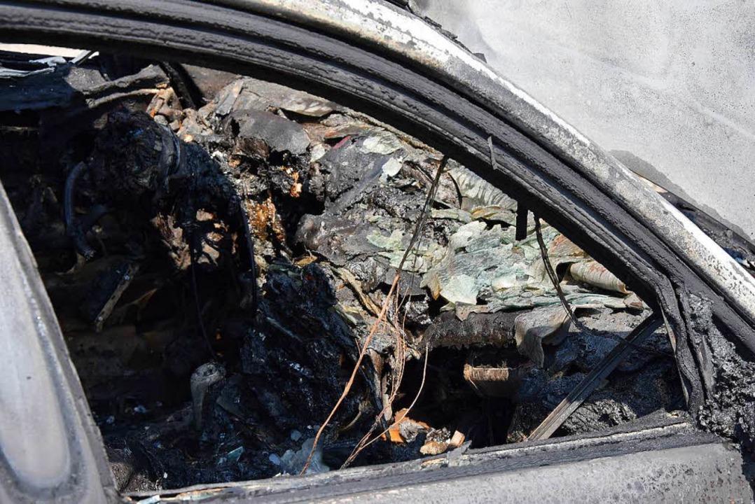 Ein Auto brannte in Lörrach aus (Symbolbild).  | Foto: Heinz Vollmar