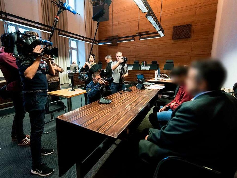 Der des Sexualmords an der Studentin M...zu Prozessbeginn als Halbwaise ausgab.  | Foto: dpa