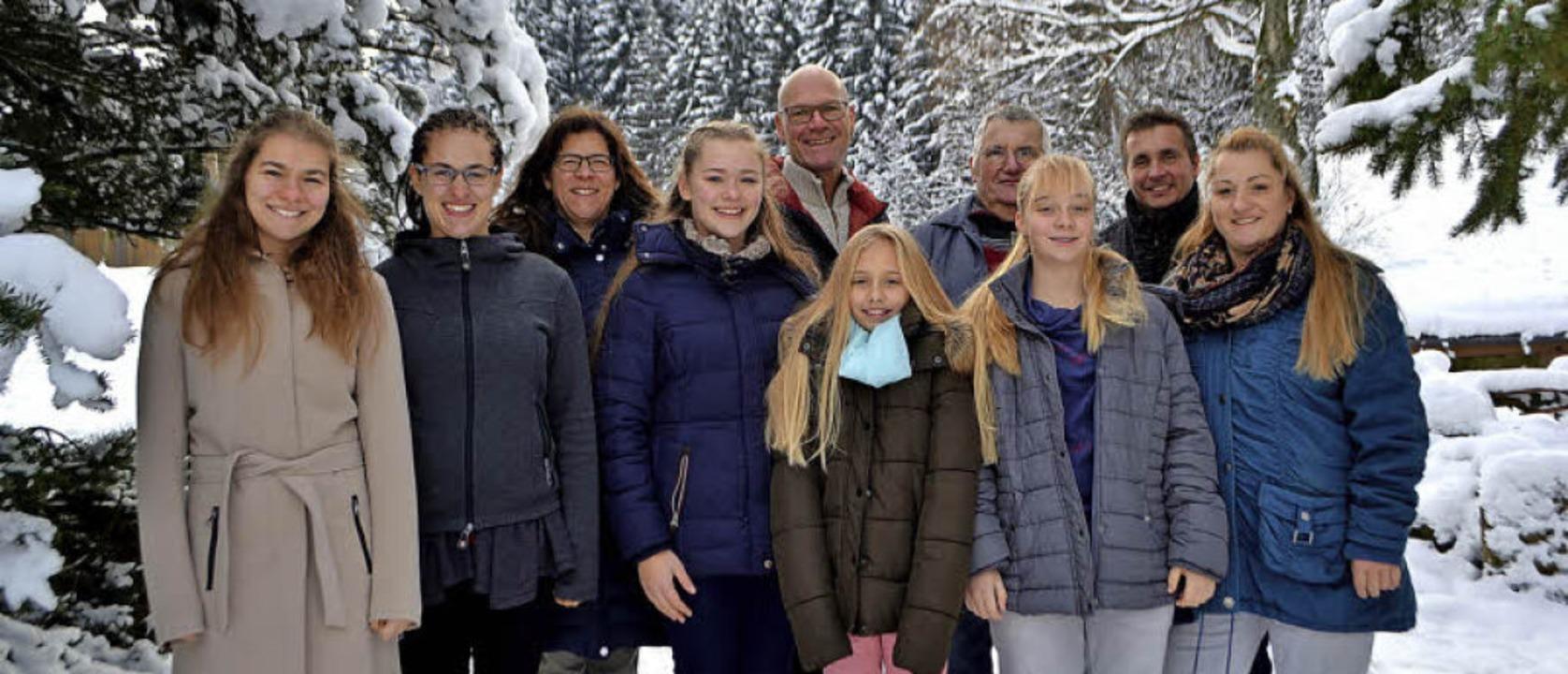 Zwei Familien – ein Hof (von lin... Andreas, Kim, Roland und Elke Mayer.   | Foto: Beate Zehnle-Lehmann