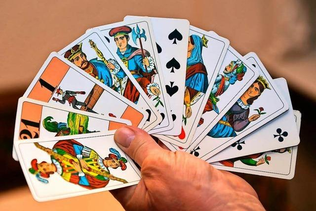 Das urbadische Kartenspiel Cego erlebt eine Renaissance