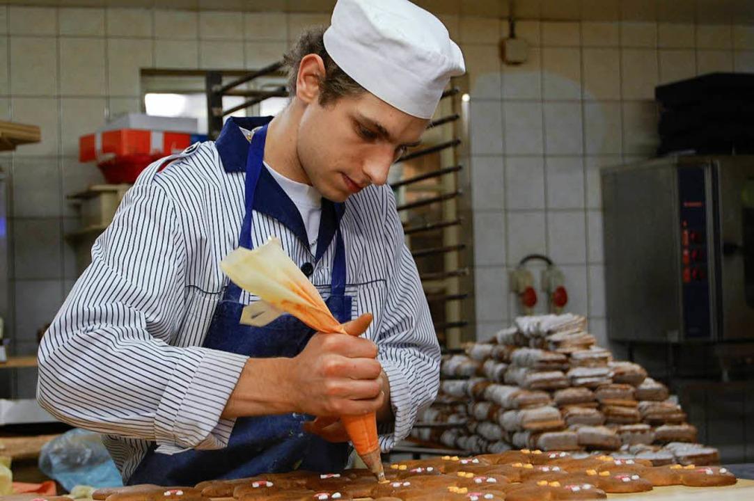 Klein, aber fein: 300 Kilo Lebkuchen w.... Die Konkurrenz schafft sechs Tonnen.  | Foto: Bärbel Nickles