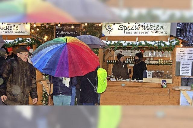 Weihnachtsmarkt mit Wetterpech