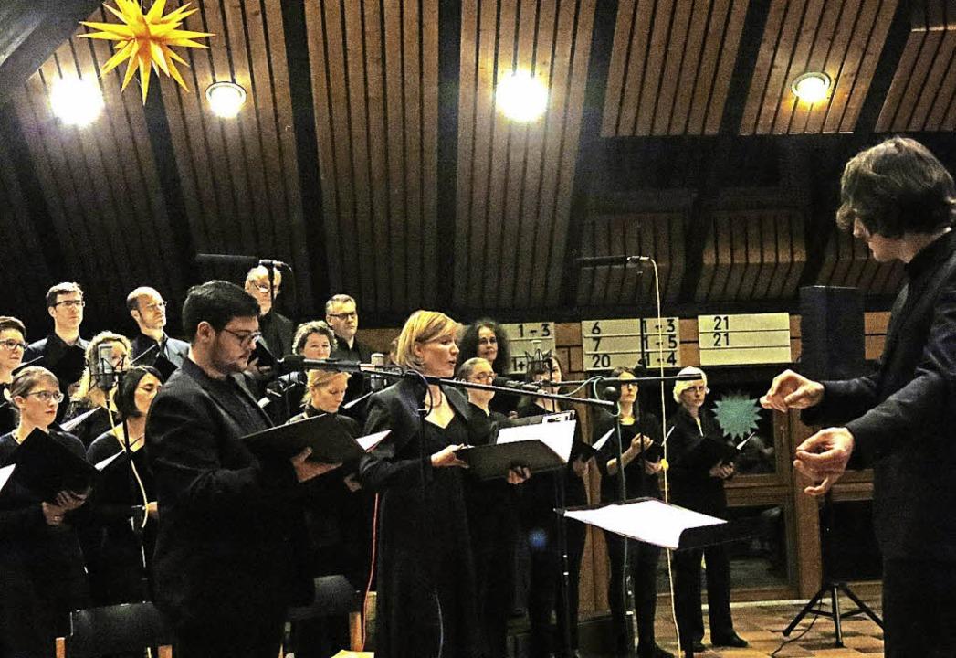 Christmas Jazz: Freiburger Kammerchor und Kilian Heitzler Big Band    Foto: Georg Voß