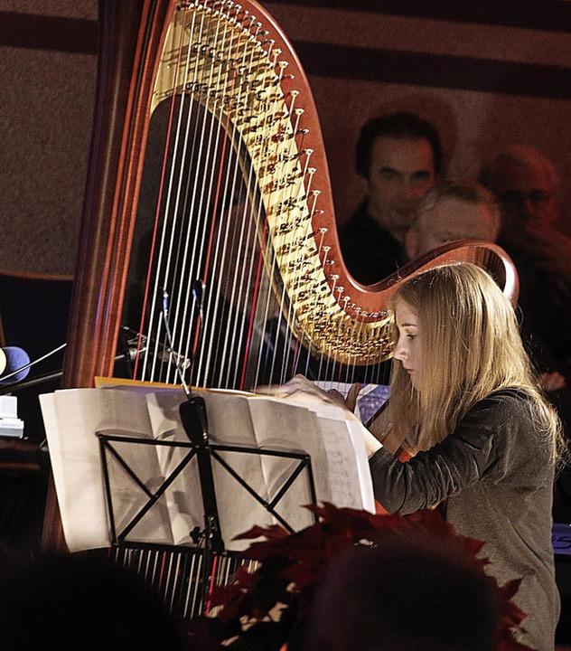 Harfenspiel beim Benefizkonzert  | Foto: Heidi Foessel