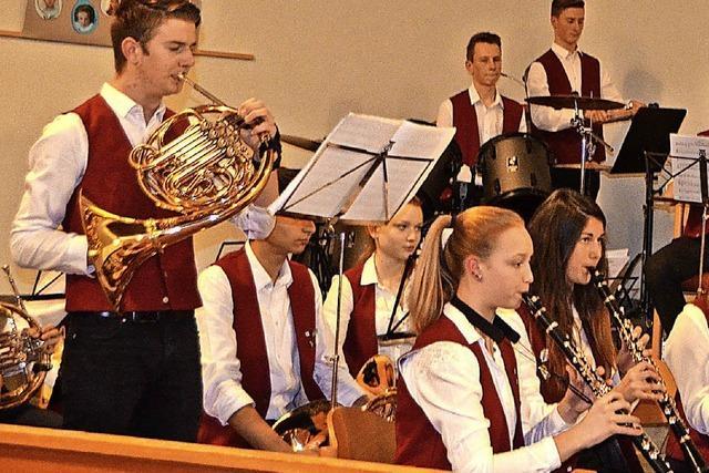 Junge Musiker nehmen Besucher mit in fremde Welten