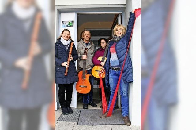 An der Musikschule im Breisgau lernen Jungen und Mädchen, wie man Spannungen abbaut